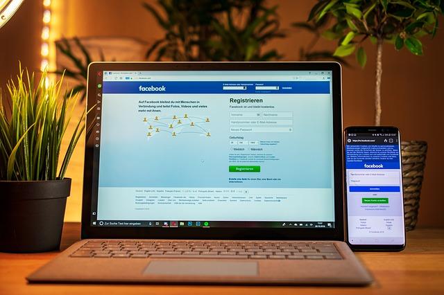 Profil na FB czy strona internetowa? Na co powinna postawić nowoczesna firma?